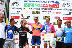 podio finale donne junior